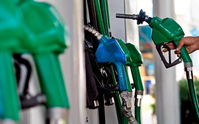Gobierno evalúa subir el impuesto específico al diésel y reducir el de la gasolina
